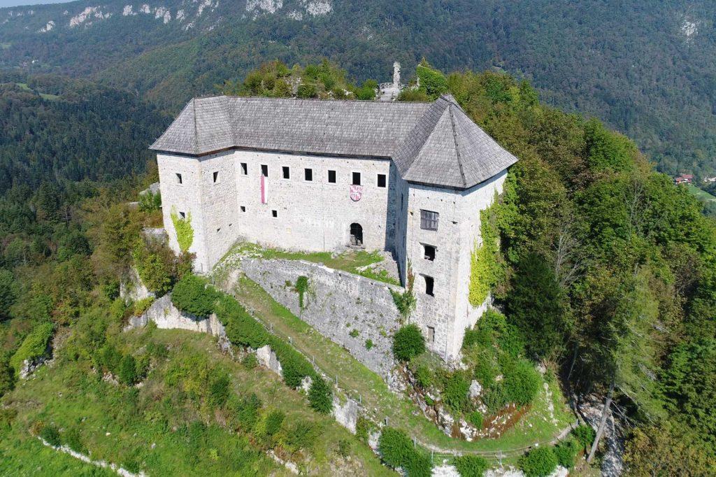 Grad Kostel